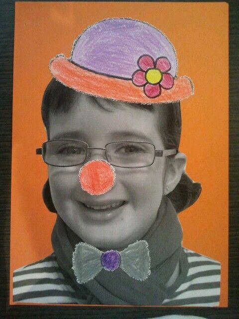 carnaval: amb una foto d l'alumne i diferents objectes d vestir com capell, corbati o corbata, nas pallaso, corona, ulleres... la disfressam!!