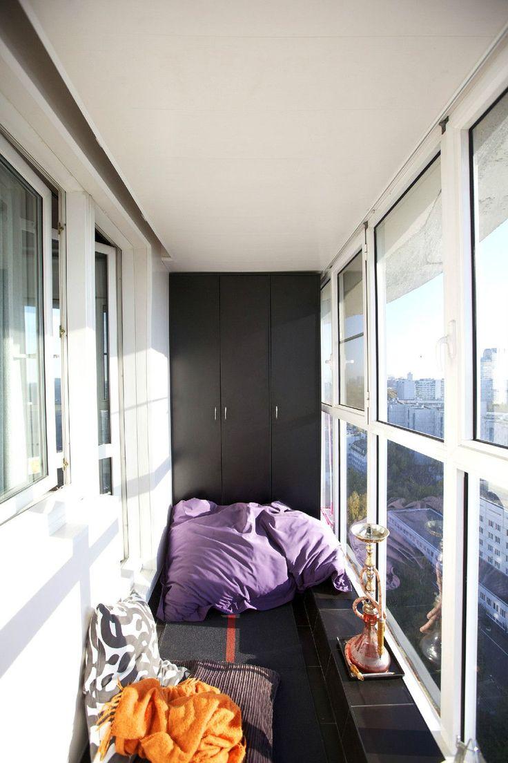 Остекление балконов и лоджий: виды, технологии, цены (120+ фото) http://happymodern.ru/osteklenie-balkonov-i-lodzhijj/ Окна, уходящие в пол, в интерьере небольшого балкона