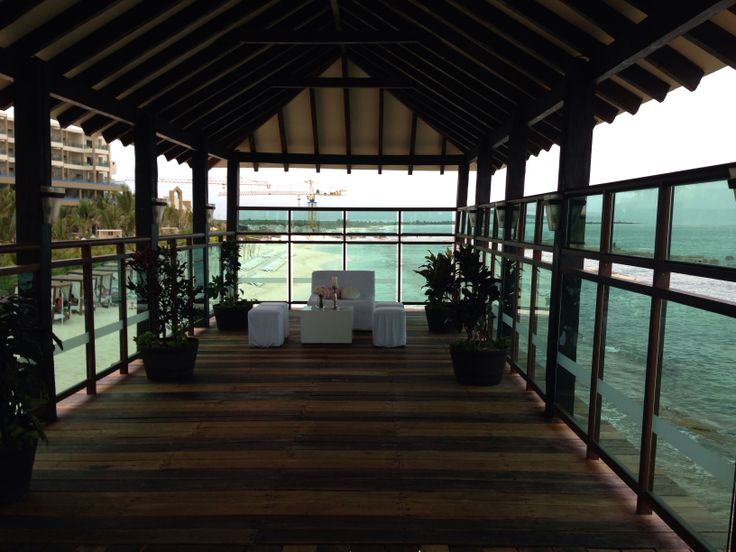 Use the spoke of the pier for a lounge or other setup during reception.