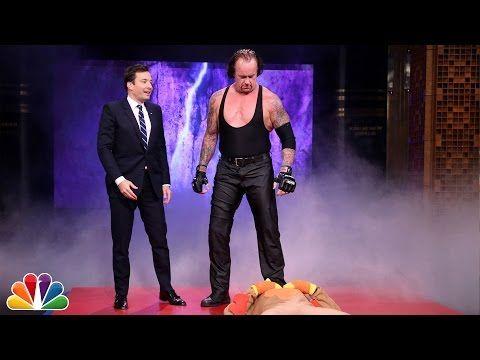 Quand The Undertaker fait une apparition dans le talk de Jimmy Fallon...