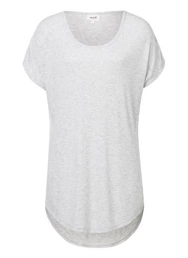 100% Viscose Relaxed SS Tee. Comfortable fitting silhouette features a scoop neck, dropped shoulder and floaty body. Available in various colours as shown.
