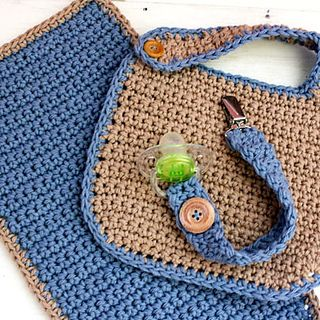 Crochet Baby Bib Set free pattern @ Ravelry