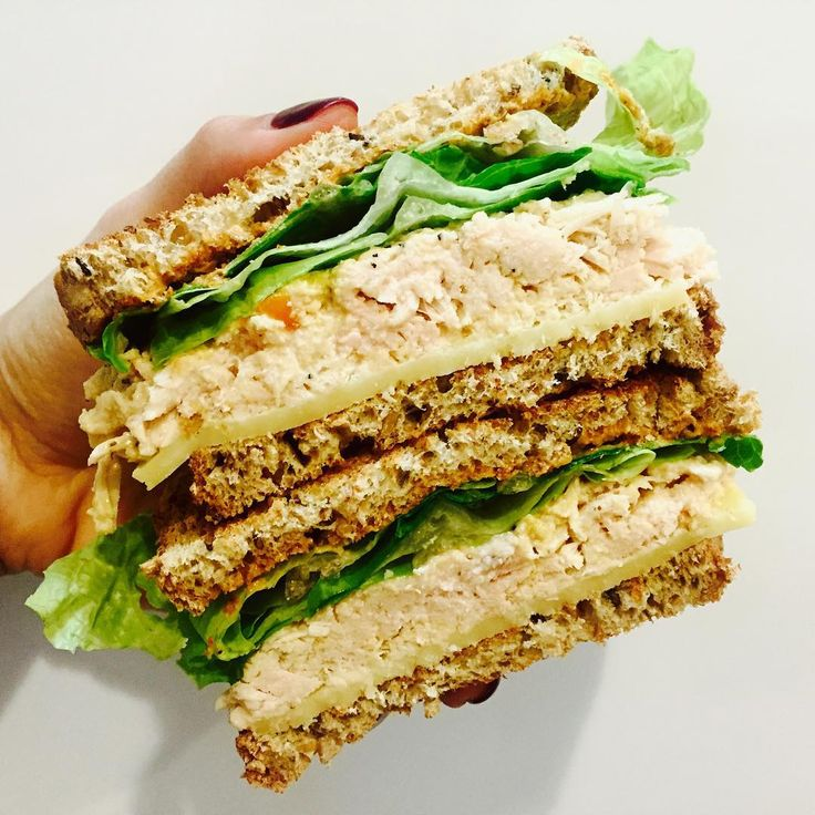 tuna melt anyone?  recipe: @wildplanetfoods tuna, @iloveorganicgirl romaine…