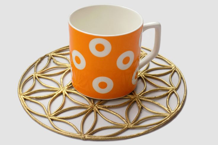 Handcrafted metal coaster made in DHOKRA at www.miharu.in