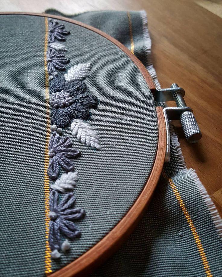 1,306 отметок «Нравится», 6 комментариев — Marina (@newlythread) в Instagram: «I love the glittering fabrics, but they're a nightmare to work with. The needle barely goes through…»