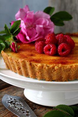 Kakkuviikarin vispailuja!: Crème brûlée-piirakka