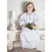 """Ангел мой крестильная рубашка для девочки """"ангел мой"""" с отделкой серебром  — 4200р.  производитель: ангел мой  особенности крестильной рубашки для девочки """"ангел мой"""" с отделкой серебром: прекрасная рубашка в старорусском стиле, длинной до пола. подойдет для  крещения девочек в возрасте от 3 до 12  месяцев и от 1  года до 2-х лет. рубашка выполнена из 100% хлопка и украшена тесьмой серебристого цвета. крестик вышит серебрянной нитью и украшен 4 стразами  swarovski. горловина оформлена…"""