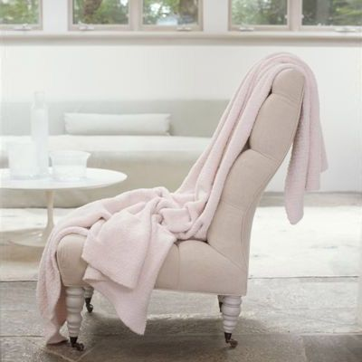 Barefoot Dreams BambooChic blanket... good enough for Oprah, good enough for yours truly. Layla Grace = amazing stuff