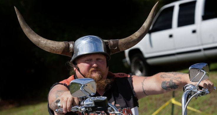 huge-horns-motorcycle-helmet-2