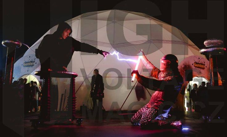 A duel to life and death .. http://www.highvoltagemagic.cz/rytir/#!