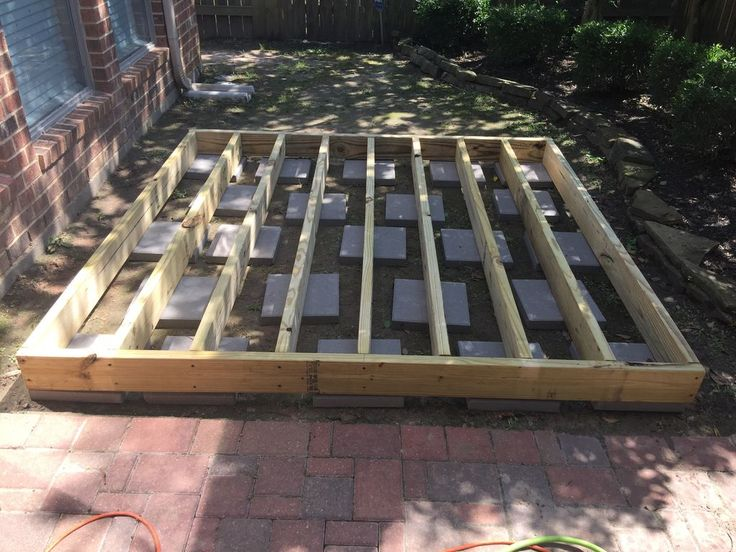 Best 25 floating deck plans ideas on pinterest deck for How to build a cheap floating deck