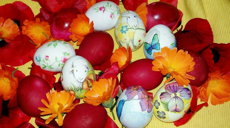 Easter eggs with paper napkins ( decoupage )