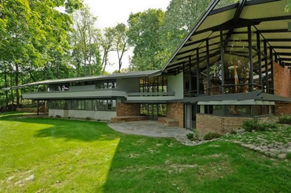 17 best images about mid century modern on pinterest for Modern classic house exterior design