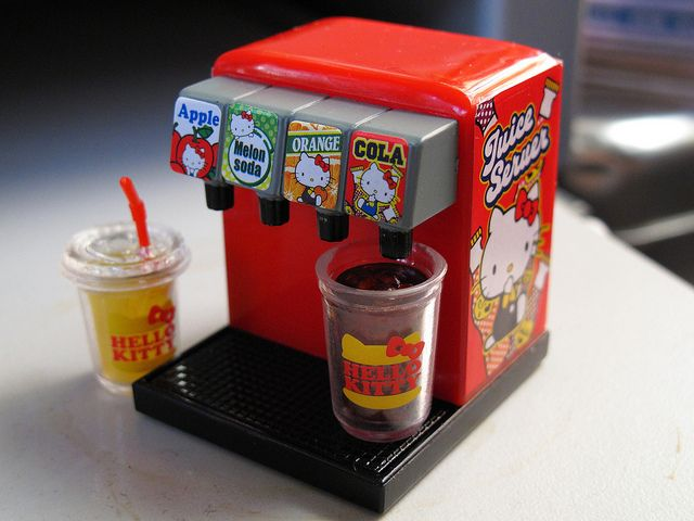 Hello Kitty Juice Server by Jay Tilston, via Flickr