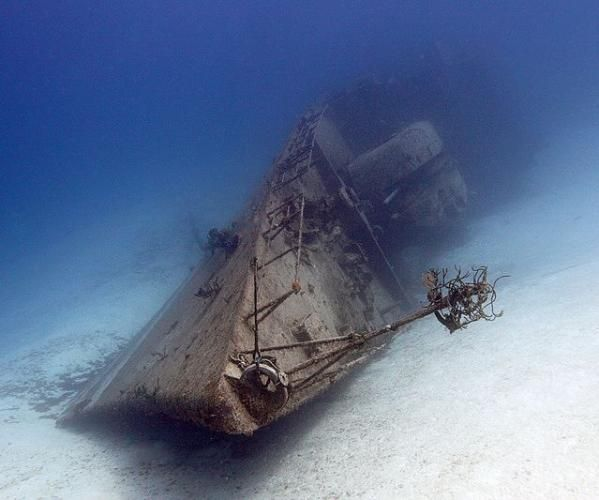 Abandoned Buildings In Oahu: 17 Best Images About Sunken Ships On Pinterest