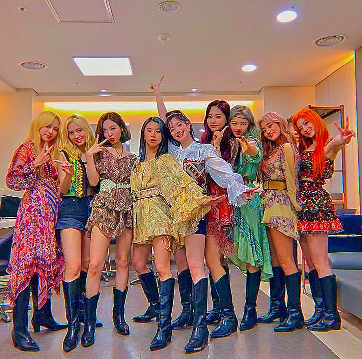 Nayeon, Kpop Girl Groups, Kpop Girls, K Pop, Mamamoo, My Girl, Cool Girl, Signal Twice, Warner Music
