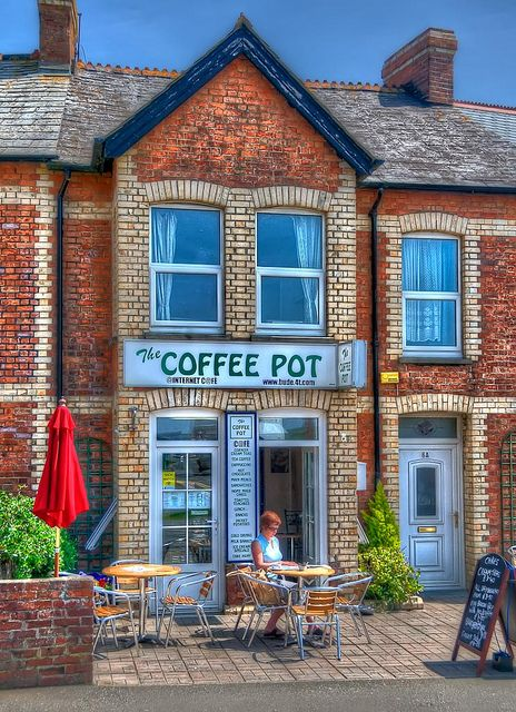 The Coffee Pot - Cool little cafe in Bude Cornwall near the golf course, and minutes from the beach.