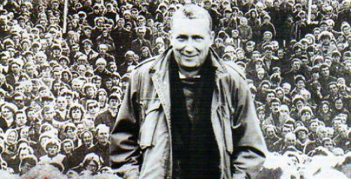 Ważne odkrycia i mały realizm między wierszami Wojciecha Młynarskiego