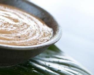 Crème minceur spécial corps à la caféine : http://www.fourchette-et-bikini.fr/recettes/recettes-minceur/creme-minceur-special-corps-la-cafeine.html