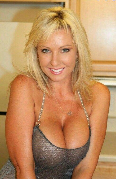 Pierced Nipple Blond Milf In Metallic Mesh Top And Great -5551