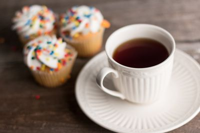 Tea with cupcakes