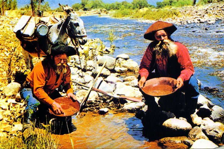 UNITED STATES (California) - Panning for Gold