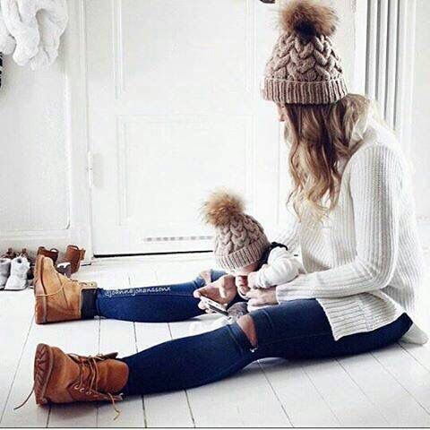 Cute Idea Of Picture Of Mother And Daughter Winter Look