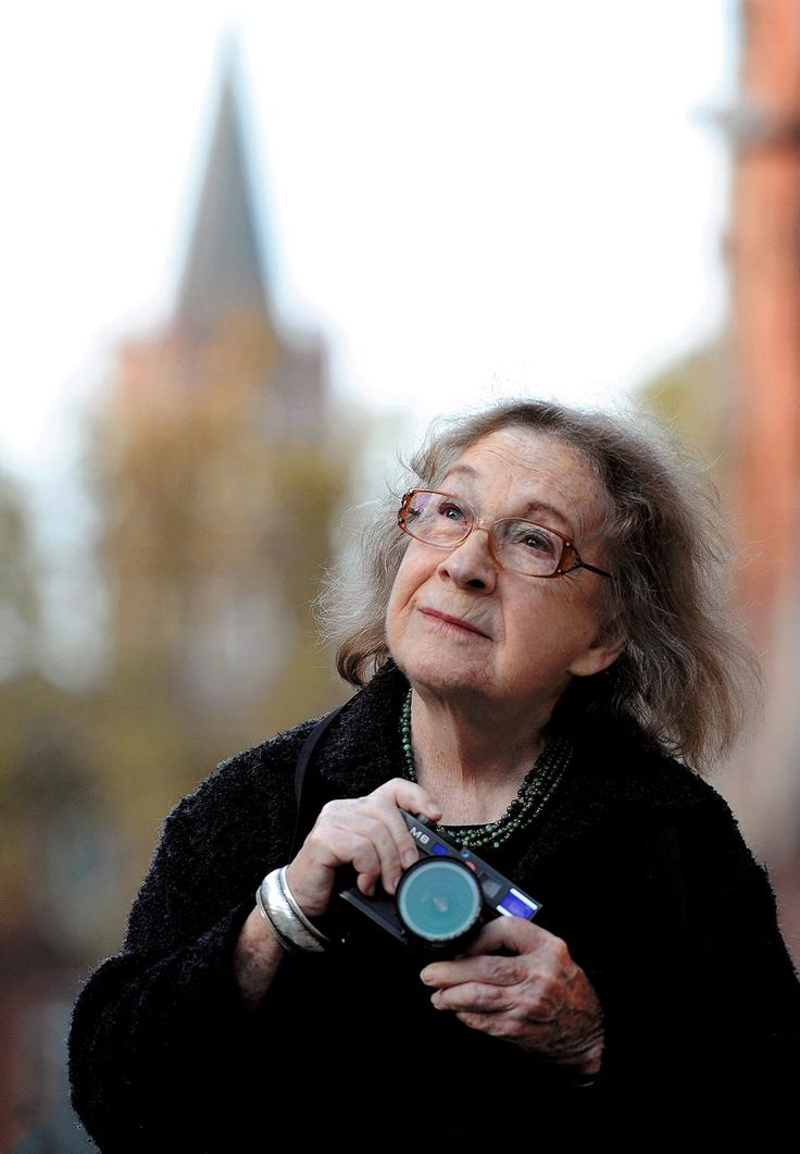 Sabine Weiss : «L'âge, je m'en fous» En savoir plus sur http://www.ladepeche.fr/article/2014/11/10/1988481-sabine-weiss-l-age-je-m-en-fous.html#g28YqXPVWs6cW8vi.99