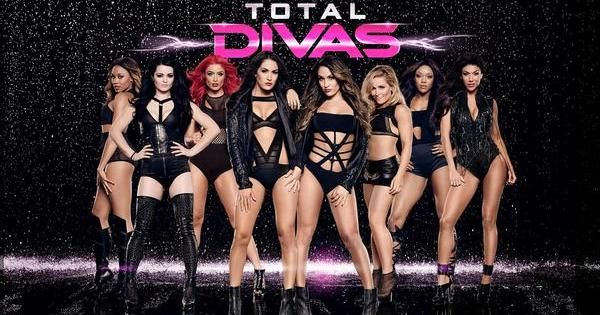 Watch WWE Total Divas Season 5 Episode 8 - H Tv | Watch Wrestling Shows, Latest Movies, Pakistani And Indian Dramas, Latest Music