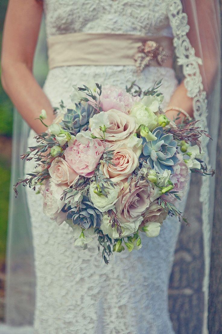 San Diego wedding flowers by Splendid Sentiments: Alycia and Steve's Beautiful Style Me Pretty at Temecula Creek Inn