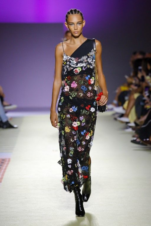 e449bcc1a9 Versace Spring Summer 2019 Ready-to-Wear Collection - Milan | Spring ...