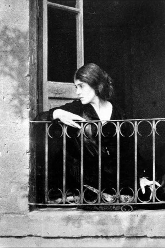 Tina Modotti's pic, 1930s