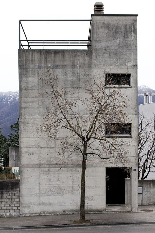 redhousecanada: Luigi Snozzi. Casa Kalman, Brione sopra Minusio, Switzerland, 1975-76. Picture by Sander Lückers on Flickr.
