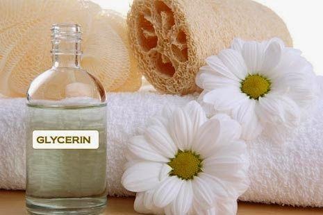 Manfaat Gliserin Untuk Kecantikan Kulit - Gliserin adalah re-hidran yang baik dalam memberi kelembaban pada kulit. Cairan ini mampu mendinginkan serta menenangkan kulit, dan juga dapat digunakan untuk rambut. Bentuk cairan gliserin biasanya tidak berwarna serta sedikit kental.