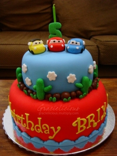 Such a cute idea for a Cars Birthday Party cake!