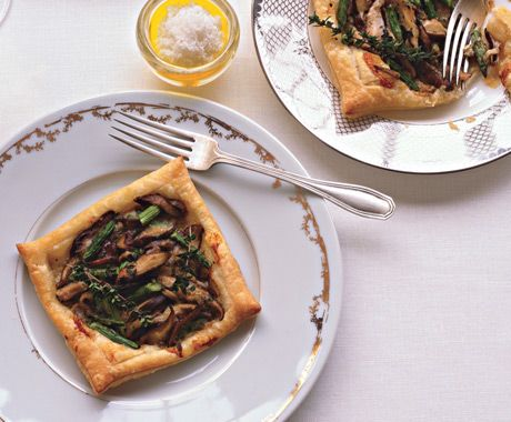 Asparagus and Mushroom Tarts - Perfect for Spring holidays and brunch
