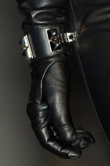 e418917154c45ea5b71b10ee9c3e1bb3--black-leather-gloves-black-noir.jpg (465×700)