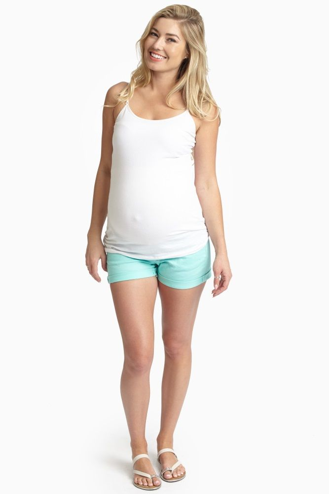 Mintgrüne Umstands-Jeansshorts mit Bündchen   – Maternity clothes and stuff during pregnancy