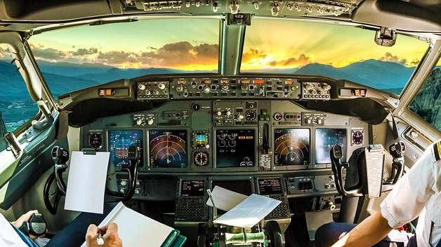 Lentäjän ammatti on yhä naisten keskuudessa harvinaisuus.