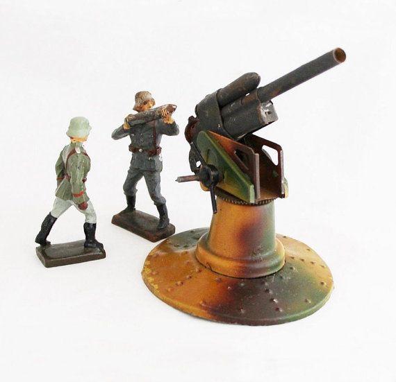Vintage 88 mm Flak Gun Crew / soldados de juguete por OldPrintLoft