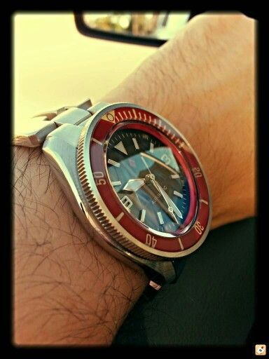Beautiful Seiko Modded… been hearing a lot lately about the trend for modding '70s SEIKO Diver watches.
