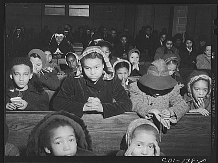 Mass at a Negro Catholic church on the South Side. Chicago, Illinois    Library of Congress