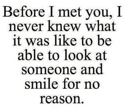 new-love-quote-image-smile-for-no-reason-for-someone.jpg (400×358)