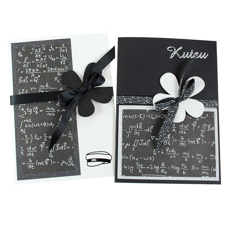 Mustavalkoiset kortit ovat aina tyylikkäitä! Toki valikoimissamme on runsaasti myös värillisiä korttipohjia.
