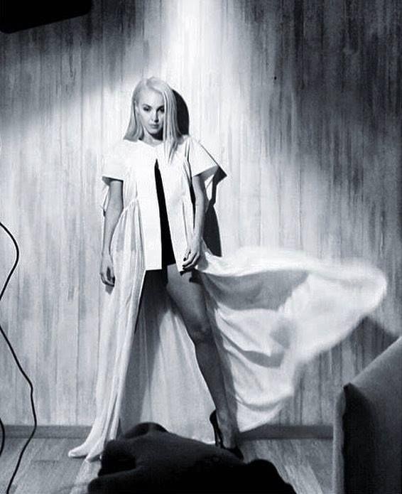 Find the look at Xamam (www.xamamclothes.com) Miss Tamta in Stelios Koudounaris. Styling by @alexkatsaiti #bigfish #magazine #ταμτα #stelioskoudounaris #coverstory #backstage #blackandwhite #xamamphilosophytowear #fashion #fashionicon #popstar #katsaiti #alexkatsaiti #chania