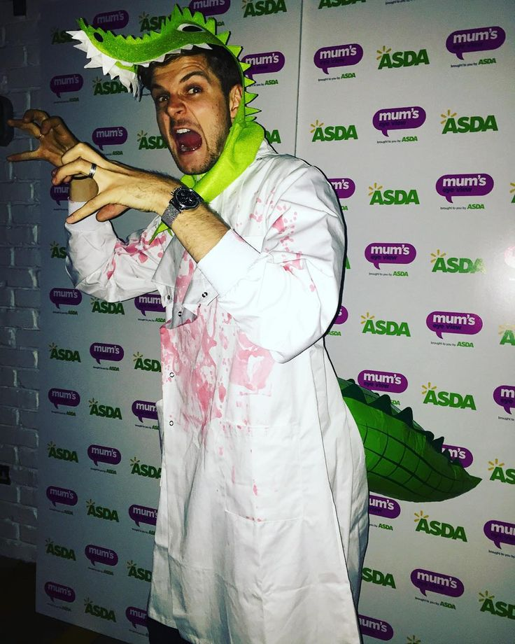 """It's the annual Gleam Halloween party. I'm dr Curt Connors (the lizard from Spider-man)... Obviously.  #asdarknessfalls #ad"""