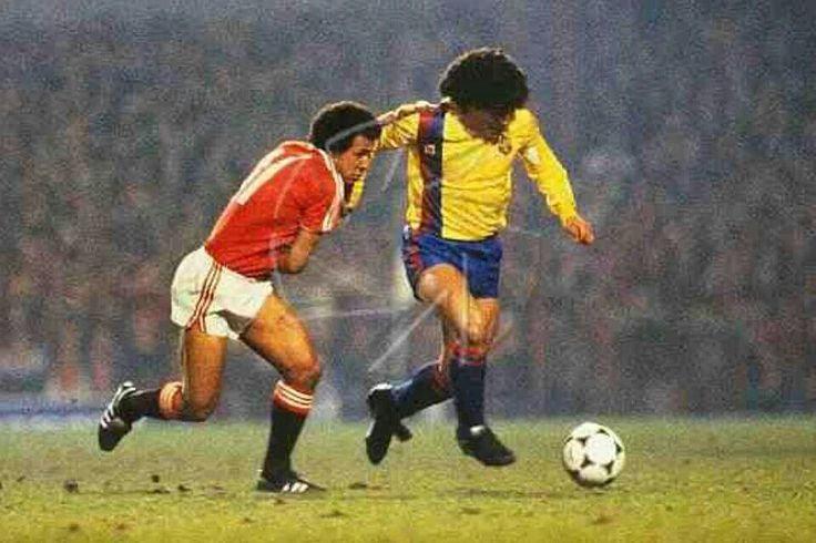 Rara camisa del Barca, vs Manchester United, 1983.