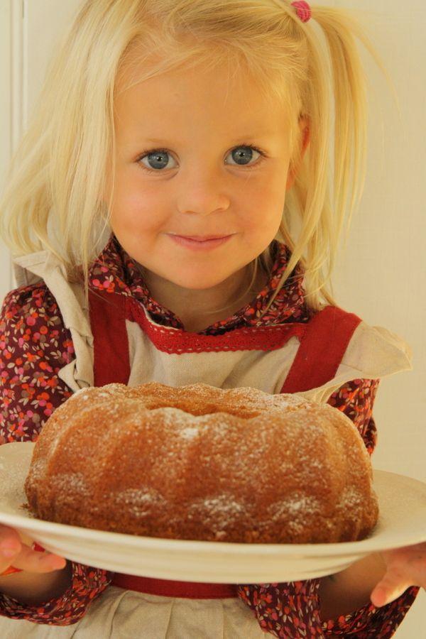 Saffranssockerkakadet är ju bara så himlans gott- sen doftar det ljuvligt i hela huset också. För att följa bloggen och uppdateringarna så finns den även på Facebookoch instagram: @jennysmatblogg Här kommer receptet på Nomis juliga sockerkaka som vi bakade förra året. Det här behöver du : 200 gram smör 2 … Läs mer