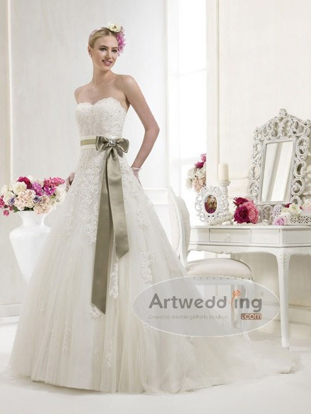 Lace and Tulle Princess Bridal Gown with Sash