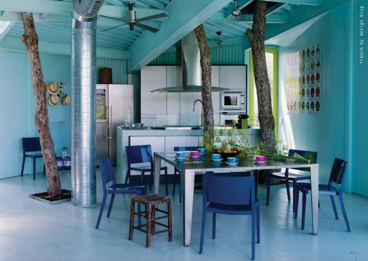 vacation home?: Dining Rooms, Blue Rooms, Blue Blue, Blue Interiors, Trees Houses, Blue Kitchens, Blue Houses, Indoor Trees, Blue Colors